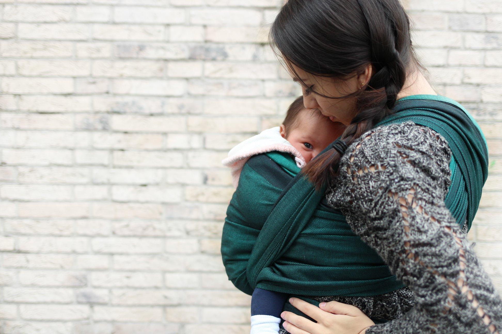 BABYWEARING ED ESOGESTAZIONE – il tempo prezioso nell'utero esterno post thumbnail